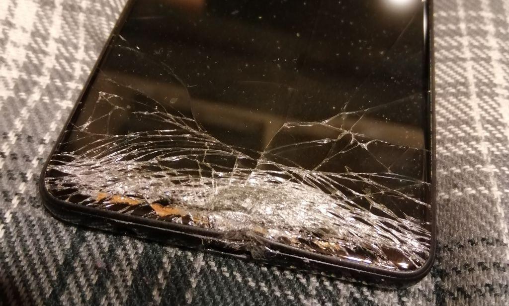 Read more about the article Czy opłaca się naprawiać uszkodzony Samsung Galaxy A41?